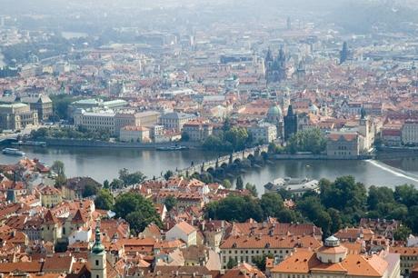 Z Petřínské rozhledny uvidíte na všechny symboly Prahy | © Gaspa